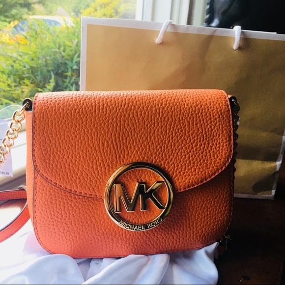 Michael Kors Handbags - Michael Kors Fulton crossbody purse NWT